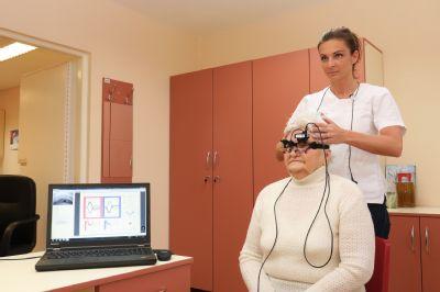 Centrum pre poruchy rovnováhy komárňanskej nemocnice testuje unikátne zariadenie