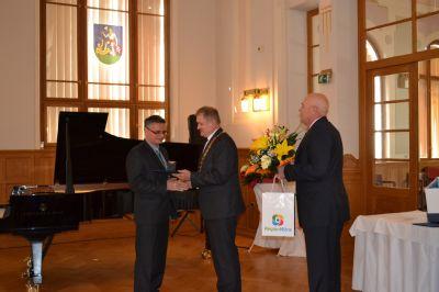 Primár chirurgického oddelenia komárňanskej nemocnice získal ocenenie zdravotník roka