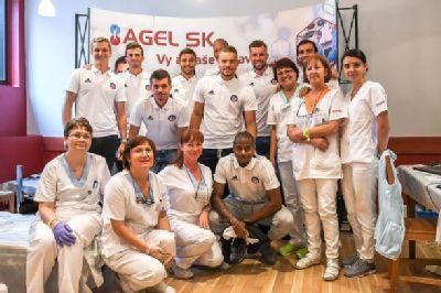 Futbalisti AS Trenčín darovali krv pre pacientov Komplexného onkologického centra