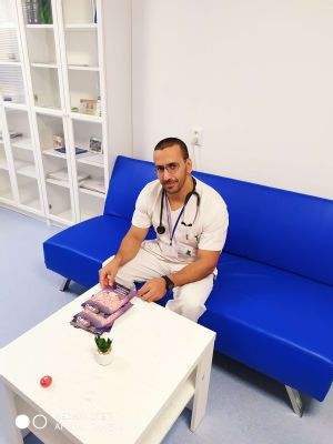 """V Komárne vedie Oddelenie vnútorného lekárstva primár z Palestíny ,,Slovensko je krásna krajina, Slováci sú kamarátski"""""""