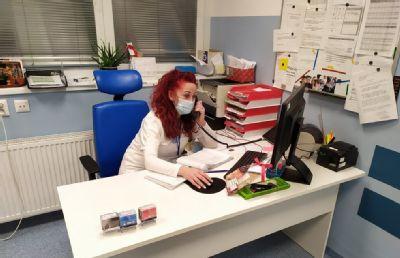"""""""Prípady treba riešiť s chladnou hlavou a rozumom,"""" hovorí sestra z urgentného príjmu Nemocnice AGEL Komárno"""