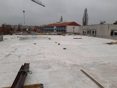 Výstavba nového urgentného príjmu v Nemocnici AGEL Komárno pokračuje napriek pandémii podľa plánu