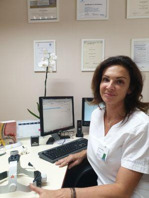 ORL ambulancia v komárňanskej nemocnici je v plnej prevádzke. Lekárka vyzýva pacientov, aby návštevu u odborníka neodkladali