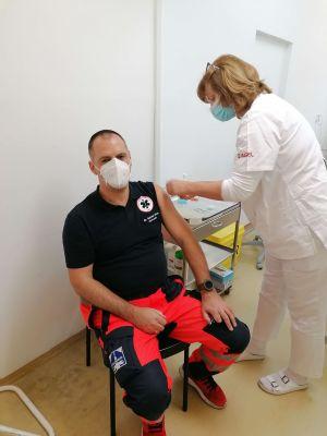 Nemocnica AGEL Komárno od dnešného dňa očkuje treťou dávkou a vykonáva aj expresné PCR testovanie